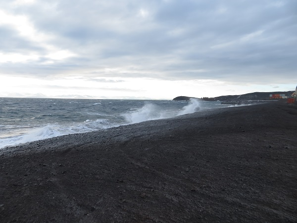 Big waves at McMurdo