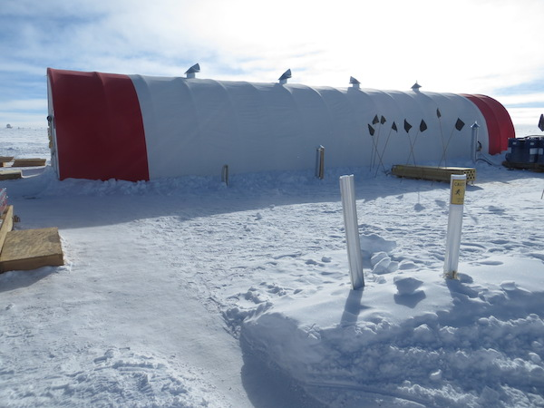 The SPICECORE tent, where they do the ice coring.