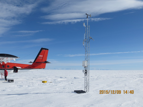 Erin AWS, after we raised the enclosure. The Transantarctic Mountains can be seen on the horizon.