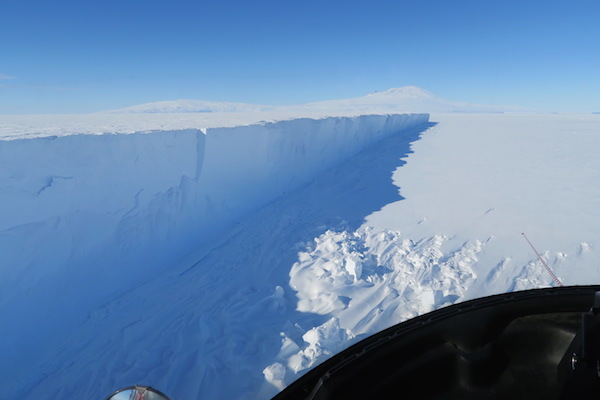 5 mile long iceberg